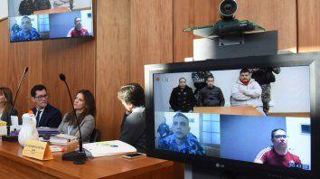 Los condenados vieron la primera jornada por videoconferencia.