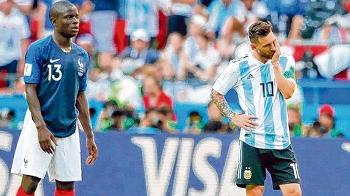 Otra frustración y ya van... Lionel Messi sufre la eliminación argentina  contra Francia en Rusia. Kanté