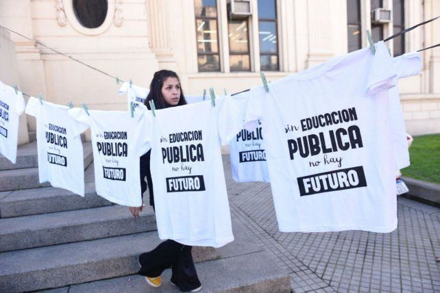 Una de las actividades que se realizaron durante la jornada en defensa de la educación pública.