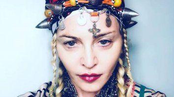 Única. La Reina del Pop apareció en Instagram vestida con el traje amazigh, de las antiguas poblaciones marroquíes.