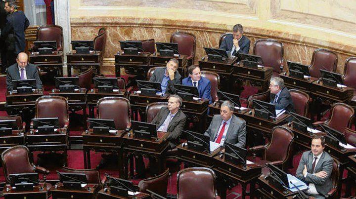 Faltazo. Solo 8 legisladores de la bancada Justicialista bajaron al recinto.