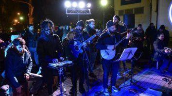 Mañana habrá otro festival solidario frente al museo Castagnino
