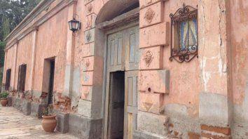 Arquitectura histórica. La Sala, en Fiambalá, es una vieja casona que perteneció a un lugarteniente del héroe nacional Guacho Martín Miguel de Güemes.