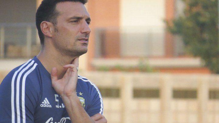 DT interino. Lionel Scaloni señaló que no habló del futuro de Lionel Messi.