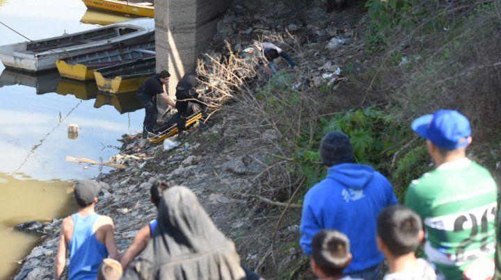 El cuerpo sin vida fue hallado en el arroyo Saladillo.