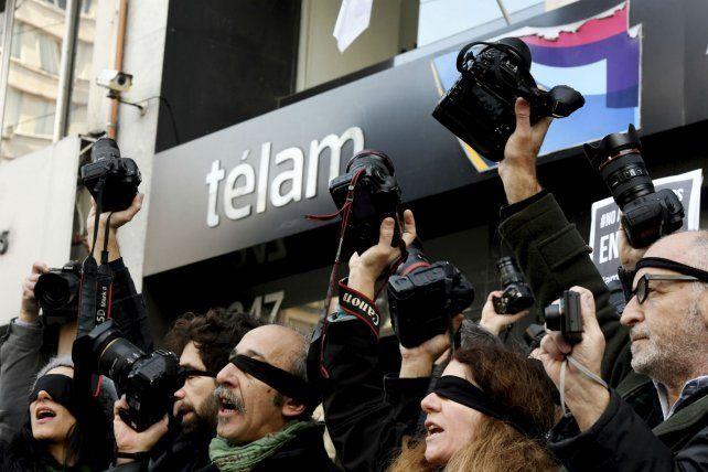 Reporteros gráficos de Télam en alerta.