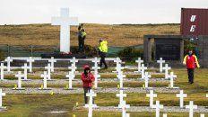 Darwin. En el cementerio de Malvinas hay 121 tumbas y 122 cuerpos de los cuales ya se reconocieron 97.