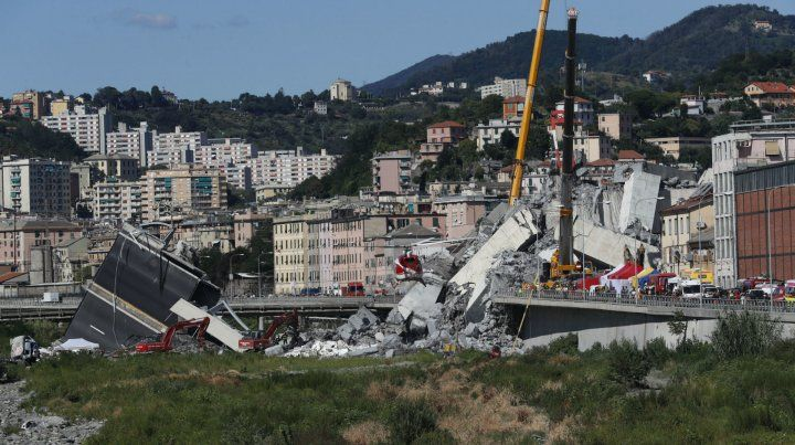 Causas. La rotura de un cable de suspensión podría haber ocasionado el derrumbe del puente.