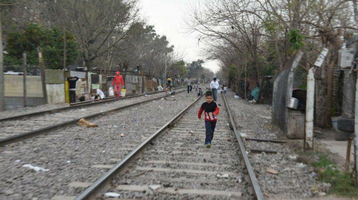 Las vías del NCA a la altura de calle Solís