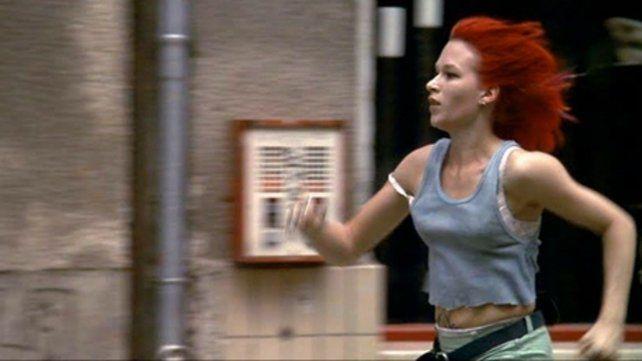La imagen. Lola (Franka Potente) en un veloz raid por salvar a su novio.