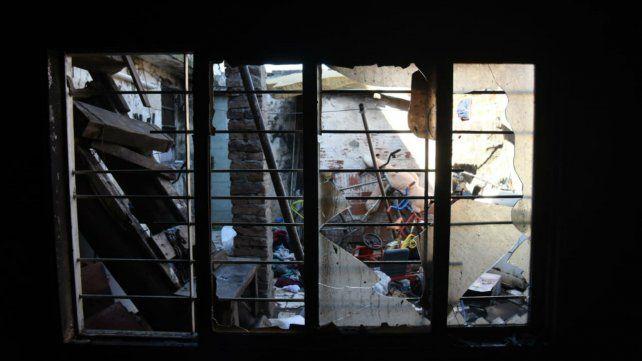 Se incendió una vivienda de la zona sur y las pérdidas fueron casi totales
