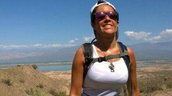 Una mujer murió al caer al vacío cuando hacía trekking