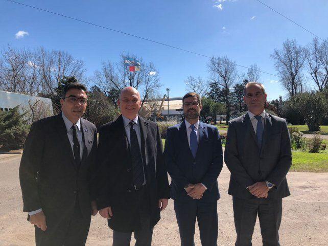 De izquierda a derecha: Ariel Ariza (presidente de la Federación Argentina de Magistrados)
