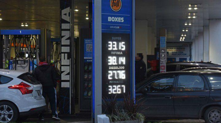 Las naftas aumentaron ayer en Rosario y en los primeros días de septiembre volverán a sufrir otro incremento.