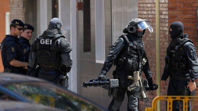 Bajo control. La policía catalana repelió la agresión con armas de fuego.