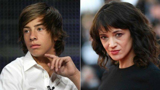 Enfrentados. El joven actor Jimmy Bennett y Asia Argento trabajaron juntos en 2004 en El corazón es mentiroso.