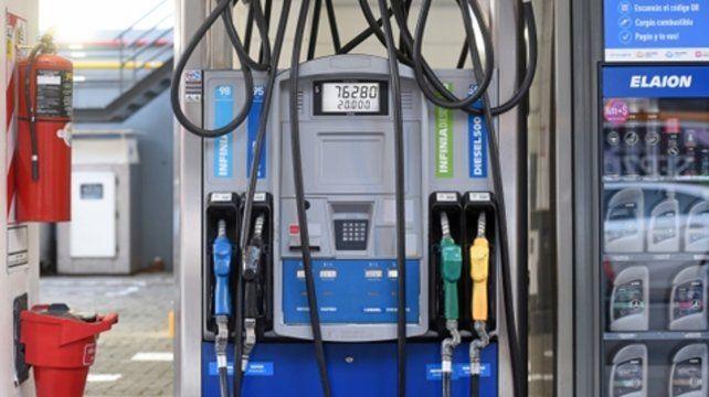 Nafta al fuego. Los precios de los combustibles suben sin control.