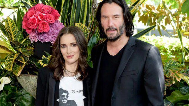 Winona Ryder asegura que hace 25 años está casada con Keanu Reeves