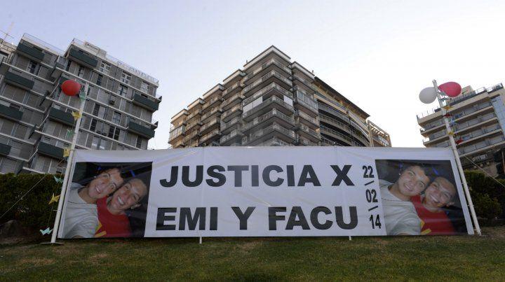 Una de las movilizaciones en el centro de la ciudad en reclamo de justicia por Emi y Facu.