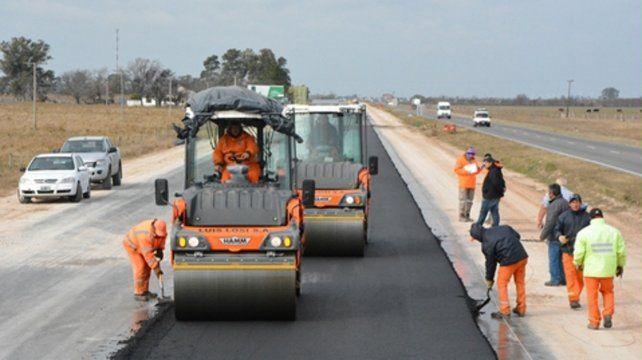Parate. Desde Vialidad provincial dicen que hace un mes que falta asfalto.