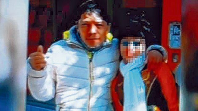 En familia. Osvaldo Rodríguez con su hija de 15 años. La foto es del 24 de julio
