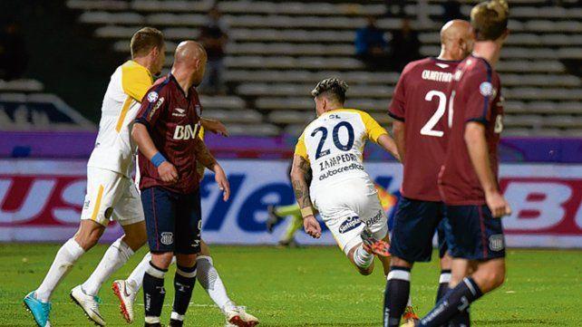 El último. Zampedri acaba de conectar a la red y Central festejó el 1-0 sobre Talleres.