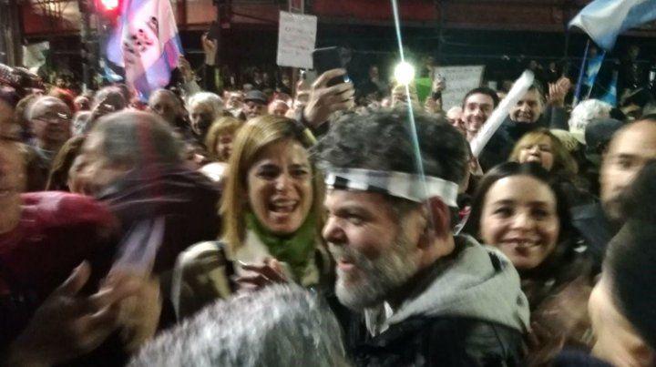 Alfredo Casero fue ovacionado durante la movilización al Congreso