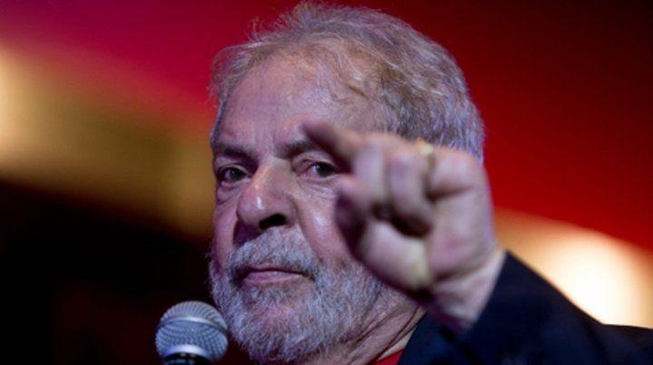 En punta. Lula está encarcelado.