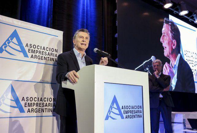Macri reveló que habrá que convivir con un tipo de cambio flotante
