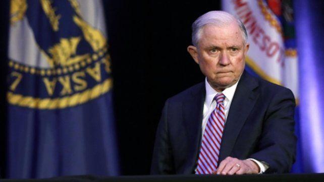 Sessions respondió aTrump.
