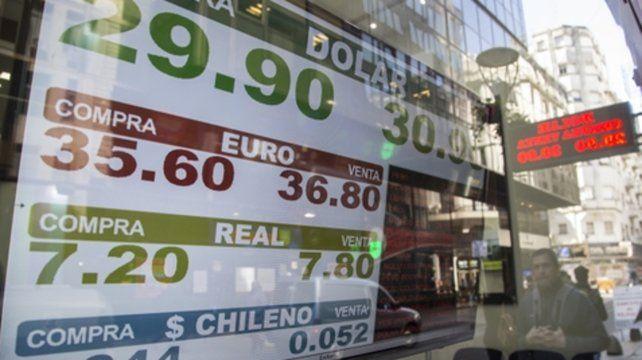 Olas. Macri dijo que habrá que convivir con un cambio flotante.