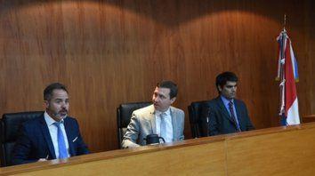 magistrados. Los jueces Mariano Alliau, Gonzalo López Quintana y Mariano Becerra conforman el tribunal.
