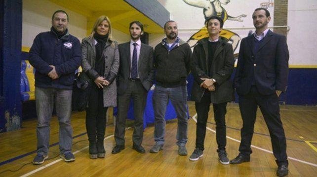 Analizan. Los integrantes de la junta electoral que se consensuó en la última asamblea.