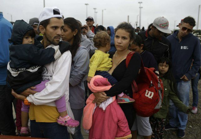 Muchos venezolanos llegan a Perú después de pasar 20 días caminando o viajando en precarios vehículos.