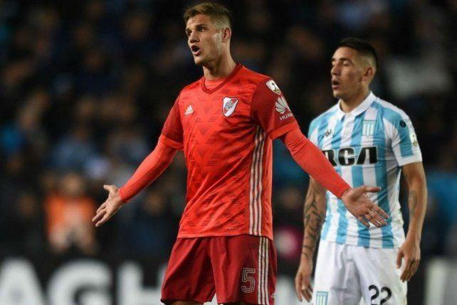 En la ida. Bruno Zuculini entró en River en el partido ante Racing por la Libertadores.