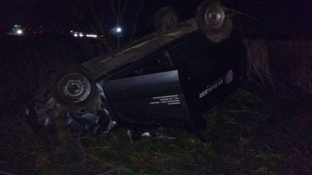 Así quedó el Renault Kangoo tras el violento impacto.