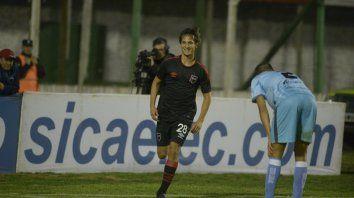 Feliz. Bíttolo sonríe tras anotar el gol en la Copa Argentina. Mañana sería titular.