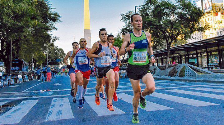Medio maratón. La competencia partió desde Palermo y pasó por el Obelisco