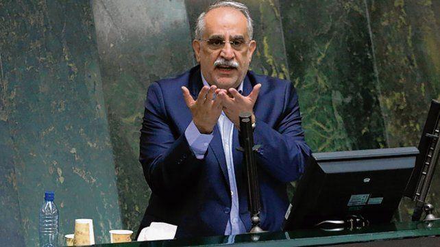Destituido. El ministro Massud Karbassian fue citado por el Parlamento.