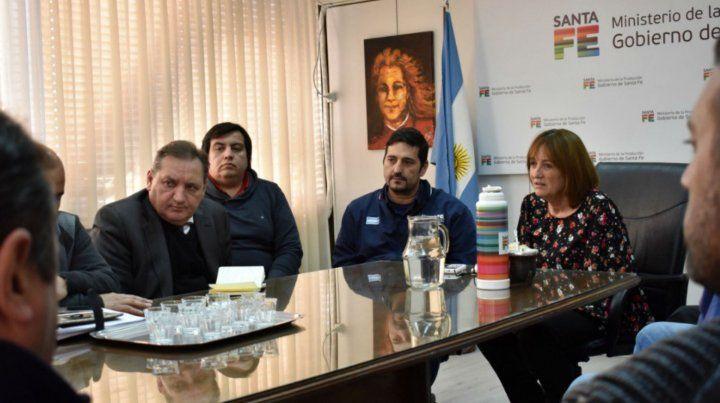 Los ministros Julio Genesini (Trabajo) y Alicia Ciciliani (Producción)