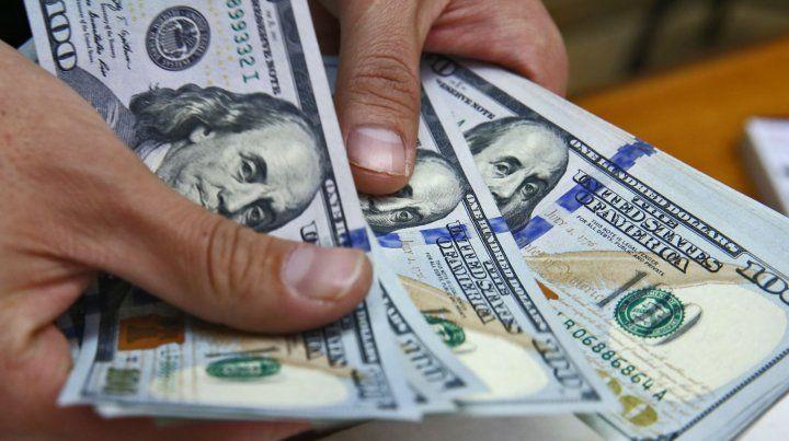 El dólar cerró en otro récord pese a nuevas subastas del Central