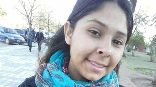 Wanda Abigail Navarro. Los útiles de la adolescente aparecieron tirados en un camino rural cordobés.