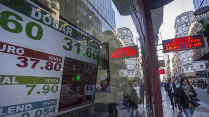 Tensión. El mercado del dólar sigue agitado y expresa las dudas sobre la sustentabilidad de la economía.