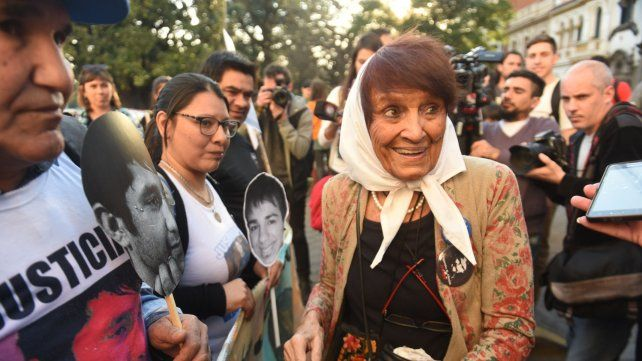 Taty Almeida participó de la marcha rosarina.