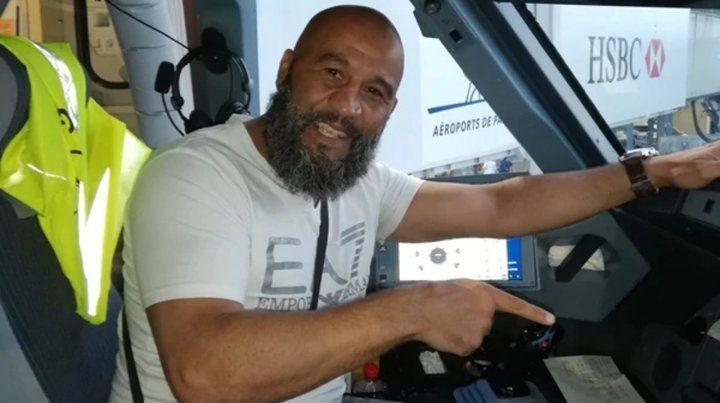 Tarik Sahibeddine tiene 46 años y se convirtió en el héroe del vuelo de Lufthansa entre Munich y París.