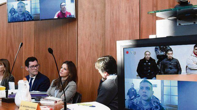 Por TV. Los principales condenados asistieron al debate desde la cárcel.