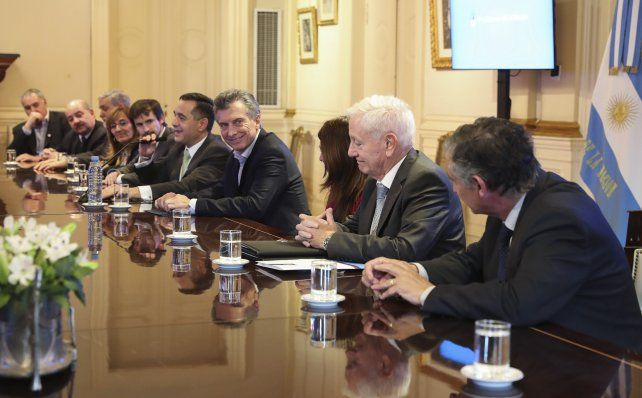 El presidente se reunió con los rectores de las universidades del país y les transmitió que el techo del 15% ya no existe.