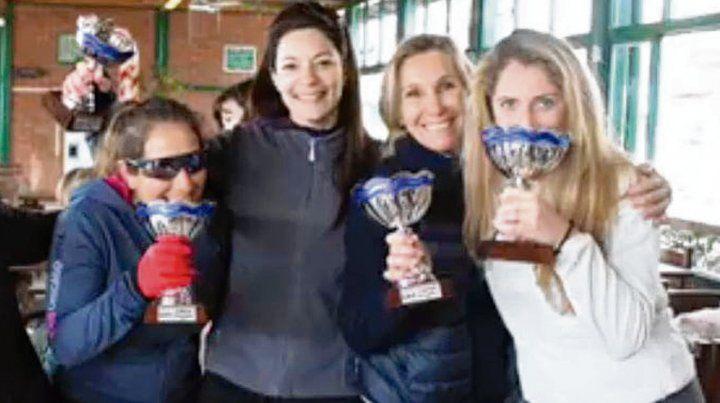 En busca de los trofeos. Las canchas de Rowing serán escenario de la competencia.