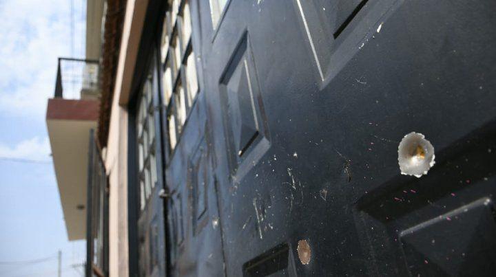Atacan a balazos la casa de la mujer del Quemado Rodríguez en el corazón de barrio Alvear