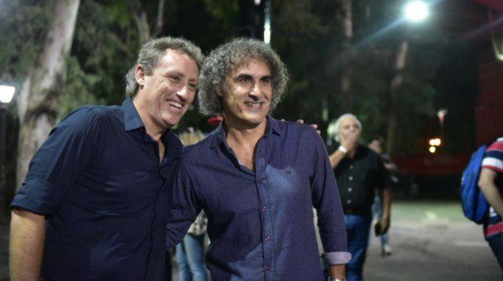 Larry Saldaña (derecha) junto a Ricardo Lunari